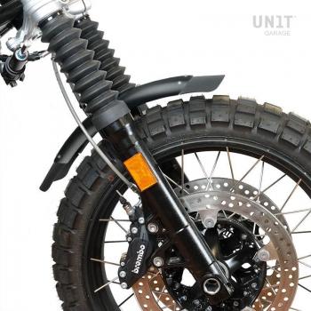 Parafango basso in alluminio nero nineT con stabilizzatore forcella