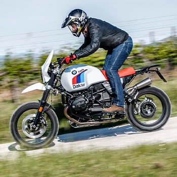 BMW nineT Paris Dakar KIT Unit Garage: TEST